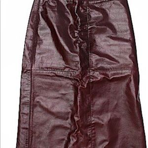 "Gap Leather size 4 skirt burgundy 26"" length"